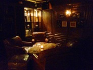 First thing I noticed was this cosy corner. Felt like I walked into Sherlock Holmes' sitting area!